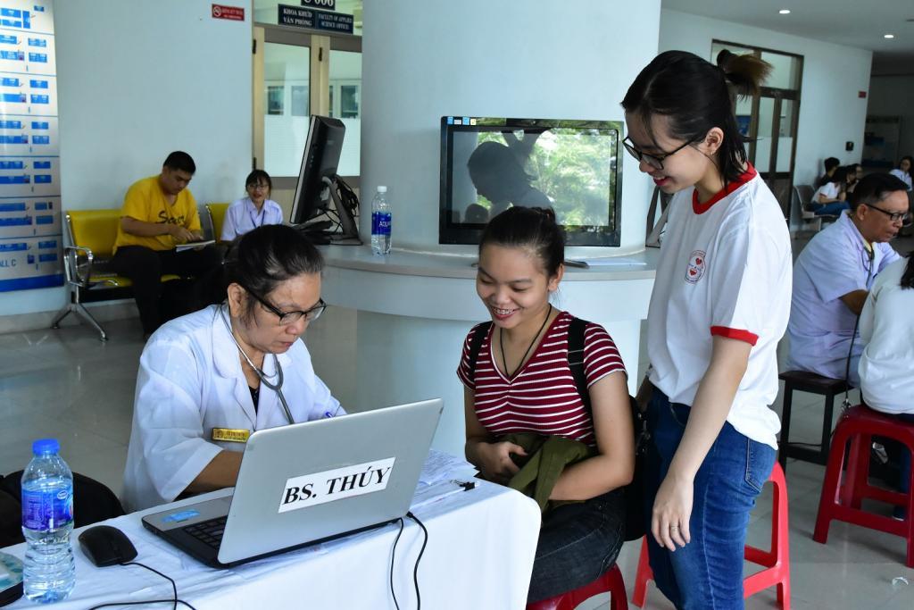 Rạng rỡ những nụ cười hiến máu tại Trường Đại học Tôn Đức Thắng