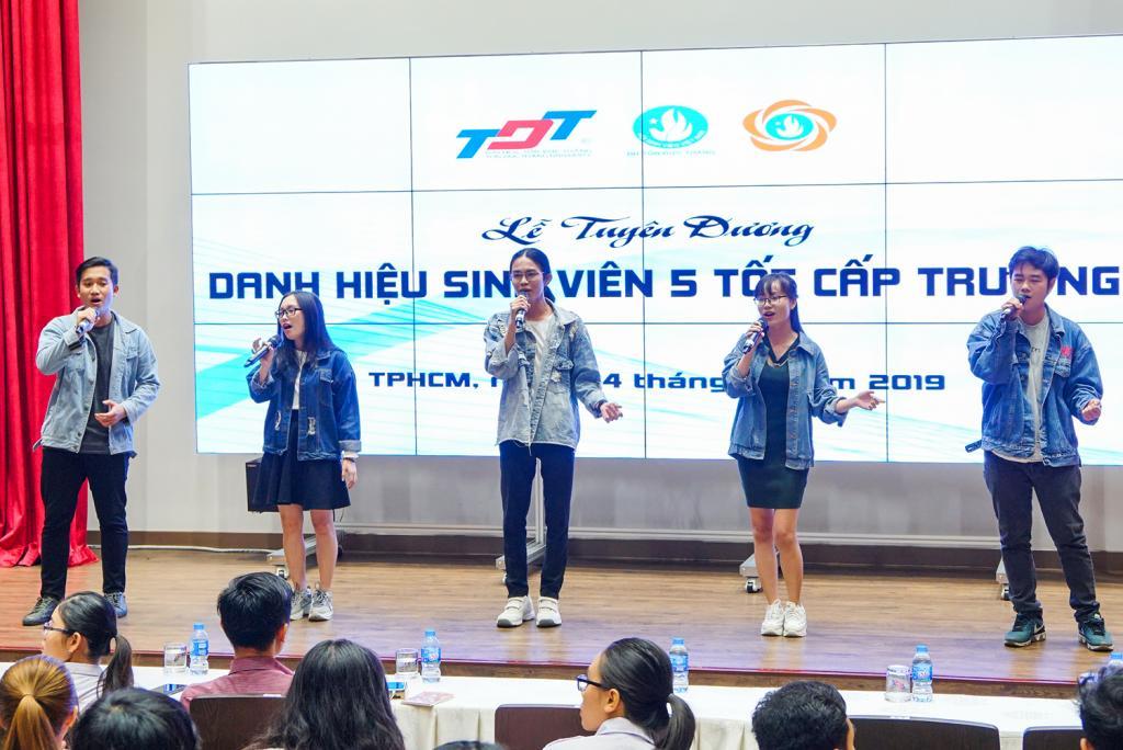 Tuyên dương sinh viên đạt danh hiệu: Sinh viên 5 tốt cấp Trường
